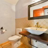 Hotel Pictures: Three-Bedroom Villa in Ibiza ciudad, Sant Rafael de Sa Creu