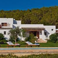 Hotel Pictures: Five-Bedroom Villa in Santa Eulalia del Río with Pool, Santa Euralia des Riu