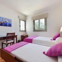 Hotel Pictures: Three-Bedroom Villa in Sant Antoni de Portmany / San Antonio, Santa Gertrudis de Fruitera