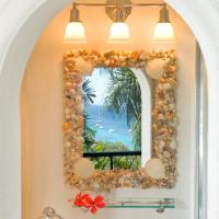 Queen Room with Balcony and Sea View - Hummingbird