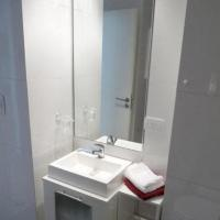 Apartment With Complete Bathroom