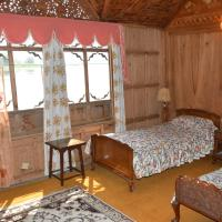 Deluxe Double Room (1 adult + 2 children)