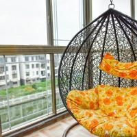 Round Bed Room with Balcony