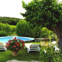 Hotel Pictures: Le Petit Champ, Buisson