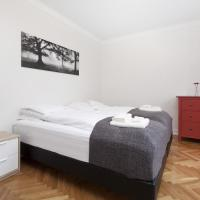 Deluxe Double or Twin with Shared Bathroom
