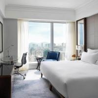 Club Deluxe King or Twin Room