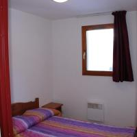 Large One-Bedroom Apartment (6 Adults)