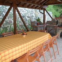 Hotel Pictures: Guest House Savina, Plachkovtsi