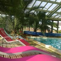 Hotel Pictures: Le Clos Aux Coccinelles, Cherveix-Cubas