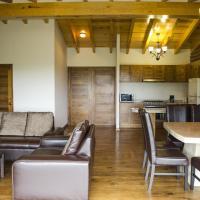 Three-Bedroom Villa (1 King, 2Queen)