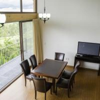 Three-Bedroom Villa (2 King, 2 single beds)