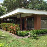 Hotel Pictures: Condominio Villa Verde, Tárcoles