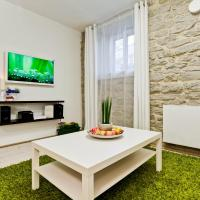 Apartment with Garden View