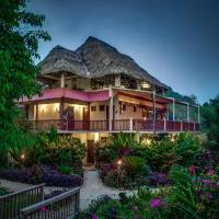 Hotel Pictures: Sleeping Giant Rainforest Lodge, Good Living Camp