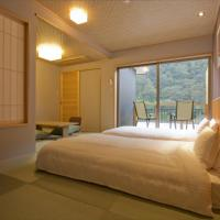 Deluxe Twin Room with Balcony - Non-Smoking