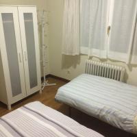 Hotel Pictures: Casa Elita, Larrasoaña