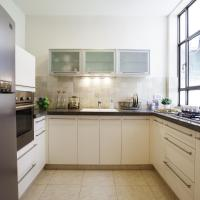 One-Bedroom Apartment - Zeitlin 5