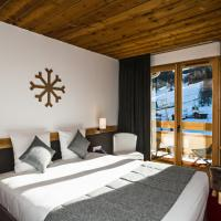 Double Room with Mountain View and Terrace