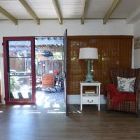 Airy and Contemporary Three-Bedroom Cottage