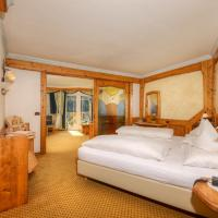 Superior Double Room with Balcony and Mountain View