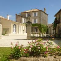 Hotel Pictures: Est-Ouest, Chef-Boutonne