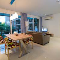 Large Two-Bedroom Apartment with Bridge View