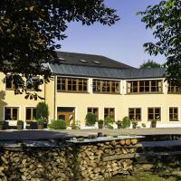 Hotel Pictures: Landhotel Hallnberg, Walpertskirchen