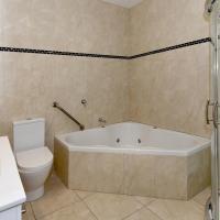 Executive Studio with Spa Bath