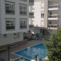 Apartment with Pool View