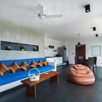 Villa with Sea View - Solana