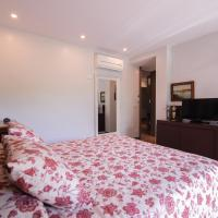 Deluxe Double Suite with Bath