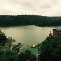 Hotel Pictures: Cabañas Quillay Viejo, Lago Rapel