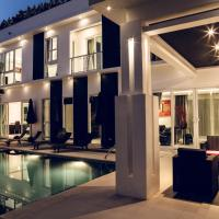 Six-Bedroom Villa with Private Pool and Sauna