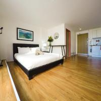 Hotel Pictures: Spacious Studio with Gym & Pool, Sydney