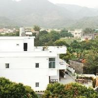 Hotel Pictures: Relax After Sunset Country House, Huizhou