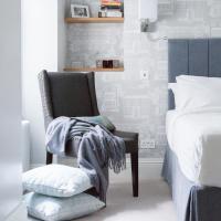 Three-Bedroom Apartment - Bullingham Mansion