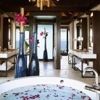 Romantic Pool Residence