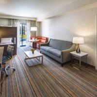 One-Bedroom King Suite with Twin Bunk Bed - Waterpark View