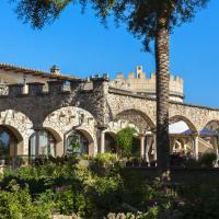 Hotel Pictures: Castell Bohio, Urbanicacion ses palmeres