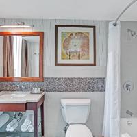 Deluxe Queen Room with View