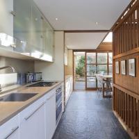 Four-Bedroom Apartment - Orleston Mews