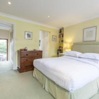 Three-Bedroom Apartment - Blithfield Street