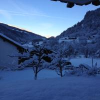 Hotel Pictures: Klosters Chalet Apartment, Klosters