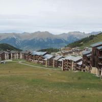 Hotel Pictures: Apartment In Aollets, La Plagne