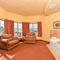 One-Bedroom King Suite with Hot Tub