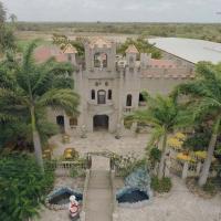 Hotel Pictures: Castelo Encantado, Acaraú