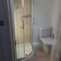 Two-Bedroom Apartment with Private Bathroom