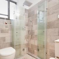 One-Bedroom Apartment - 40 Yirmiyahu Street