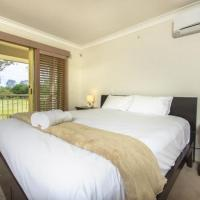 Hotel Pictures: Holiday Home Island Villa, Gold Coast