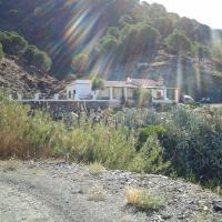 Hotel Pictures: B&B Casa Arroyo De La Montaña, Alora